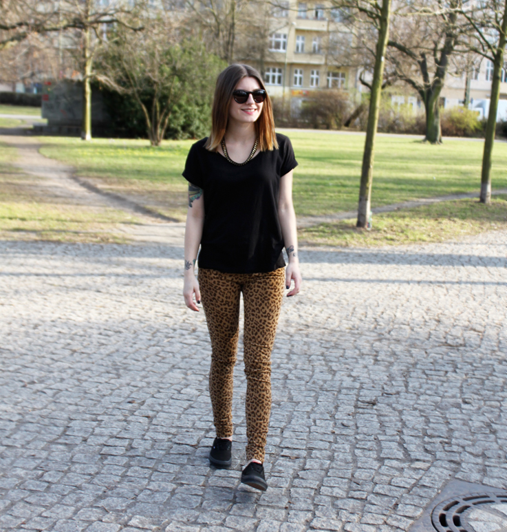 Outfit black vans and leo print pants. u2013 Hoard of Trends u2013 Personal Style u0026 Fashion Blog ...