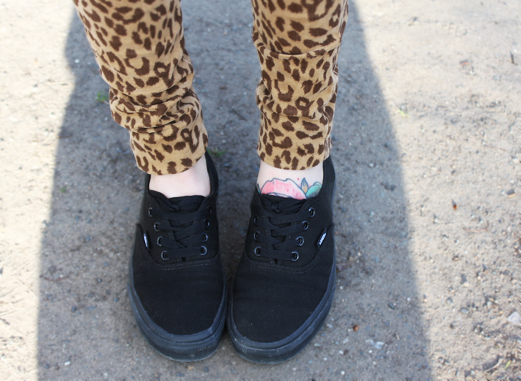 Outfit black vans and leo print pants. u2013 Hoard of Trends u2013 Personal Style u0026 Fashion Blog ...