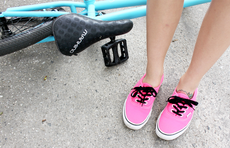 Outfit BMX And Neon Pink Vans. U2013 Hoard Of Trends U2013 Personal Style U0026 Fashion Blog / Modeblog Aus ...