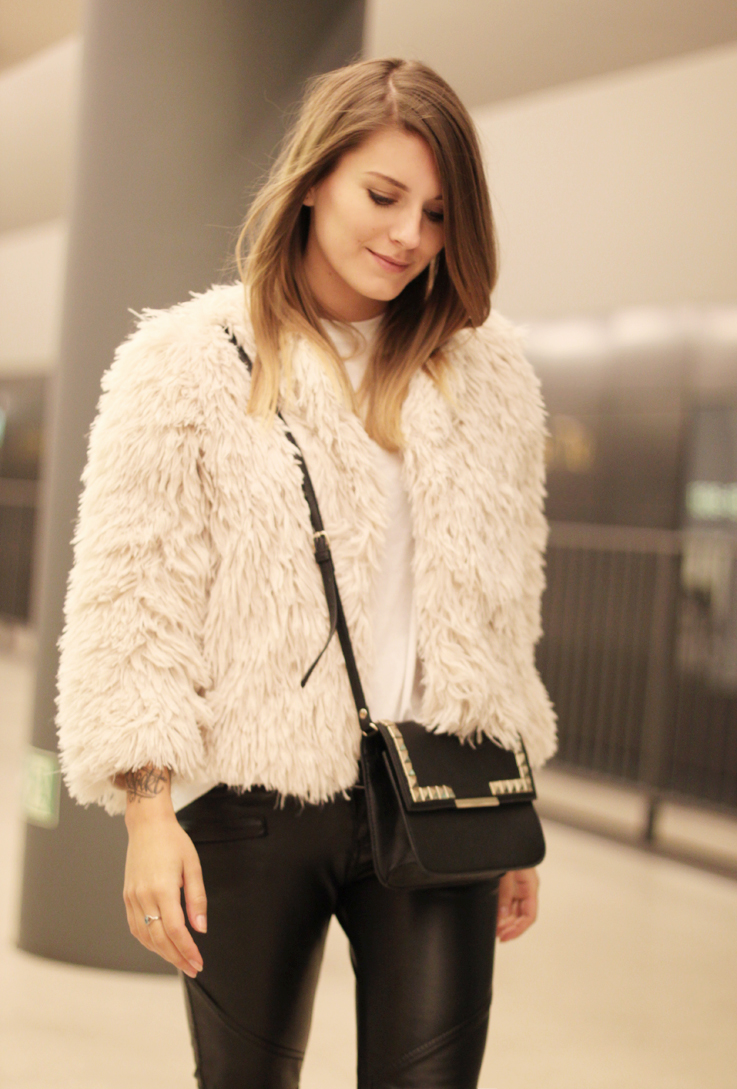 how to wear fake fur jacket part i hoard of trends personal style fashion blog. Black Bedroom Furniture Sets. Home Design Ideas