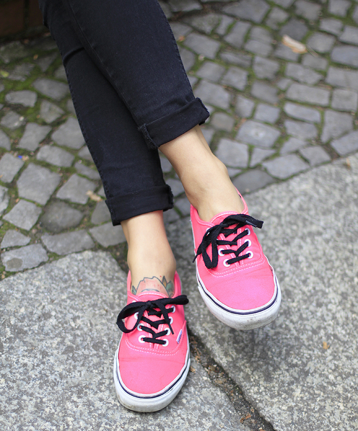 Outfit Neon Pink Vans. U2013 Hoard Of Trends - Personal Style U0026 Fashion Blog / Modeblog Aus Berlin