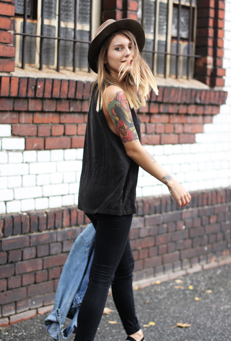 Outfit Superdry Tank Top Hoard Of Trends Fashion
