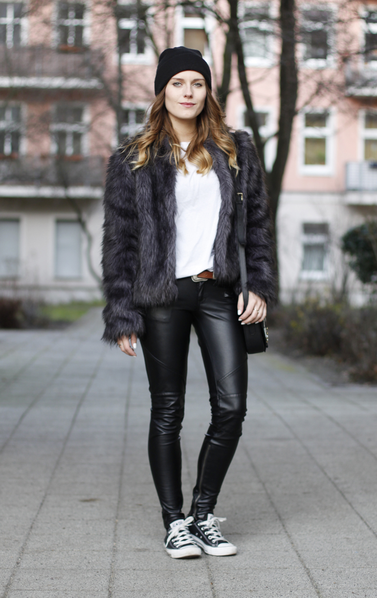 outfit fake fur fake leather hoard of trends fashion blog from berlin mode blog aus berlin. Black Bedroom Furniture Sets. Home Design Ideas