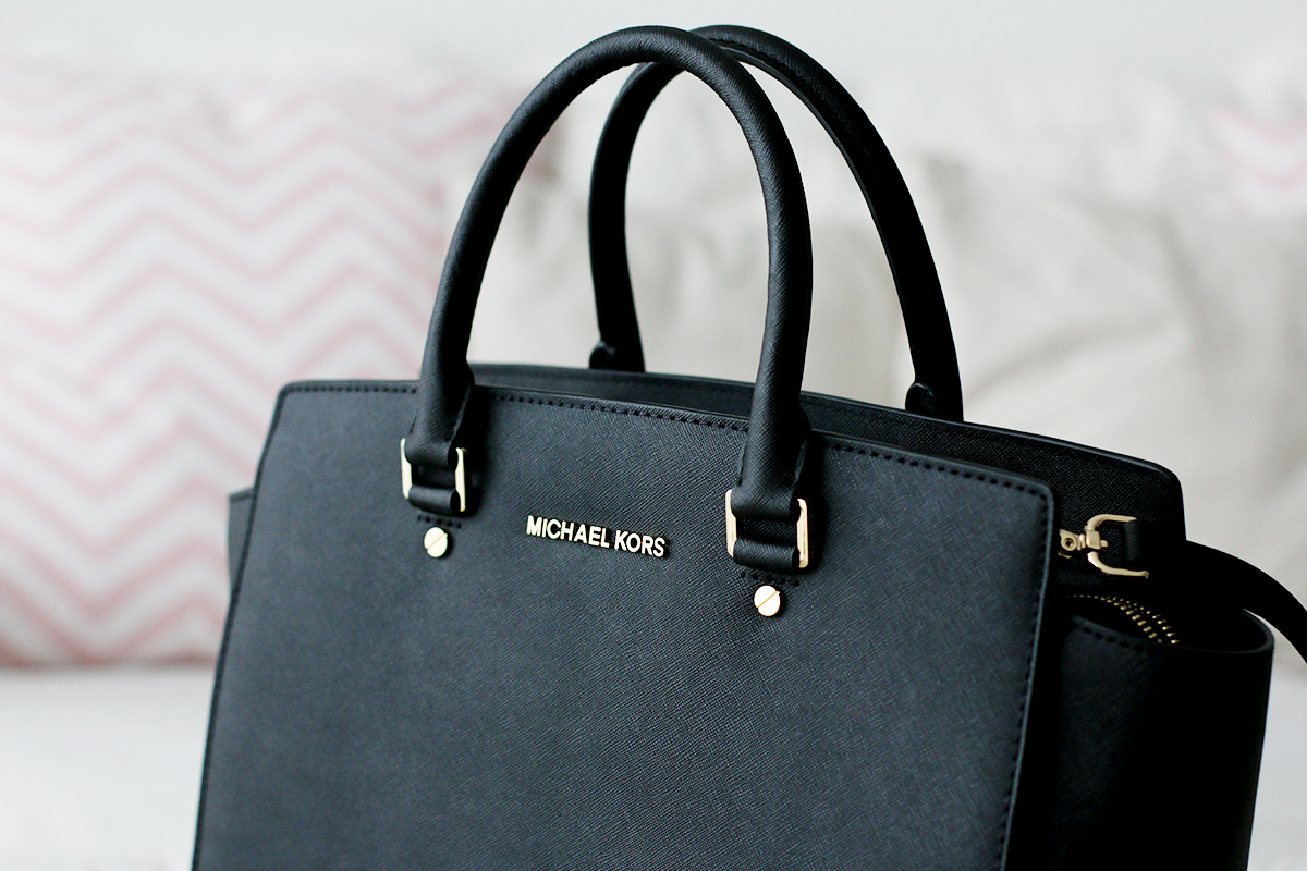 finally mine michael kors selma bag hoard of trends. Black Bedroom Furniture Sets. Home Design Ideas