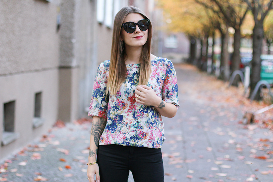 All Black And Flower Print Hoard Of Trends Personal Style Fashion Blog Modeblog Aus Berlin