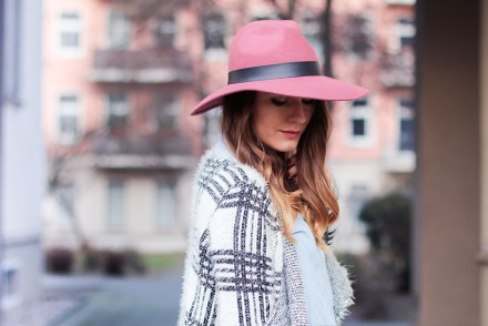 Pink_Hat_Vila_Cardigan_1