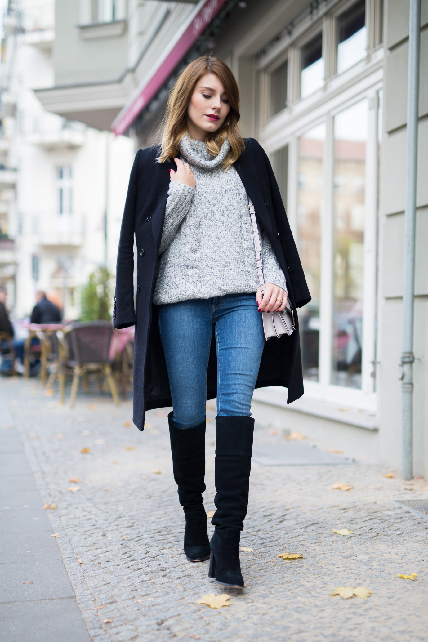 black_and_grey_Outfit_4
