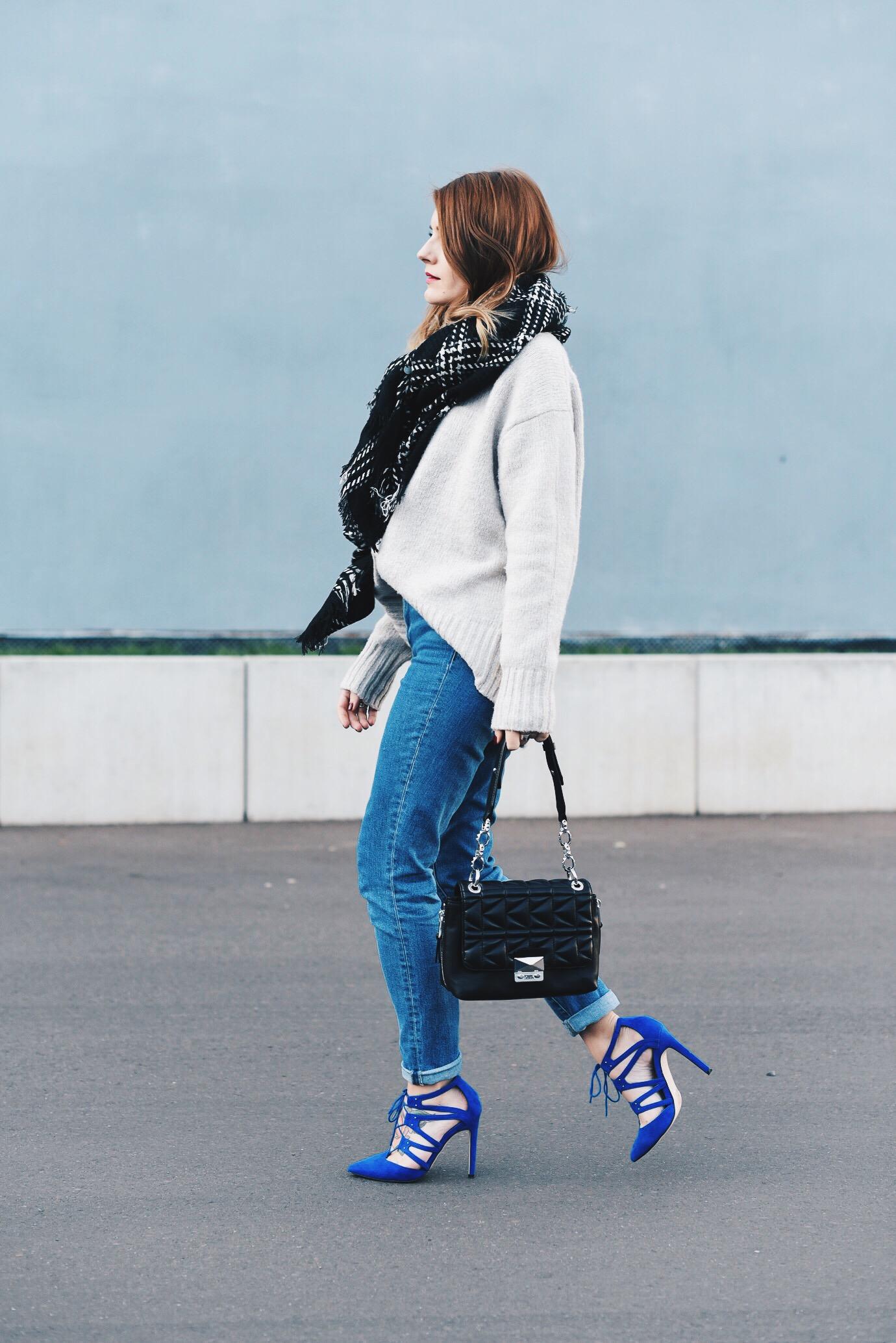 Blue_Shoes_3