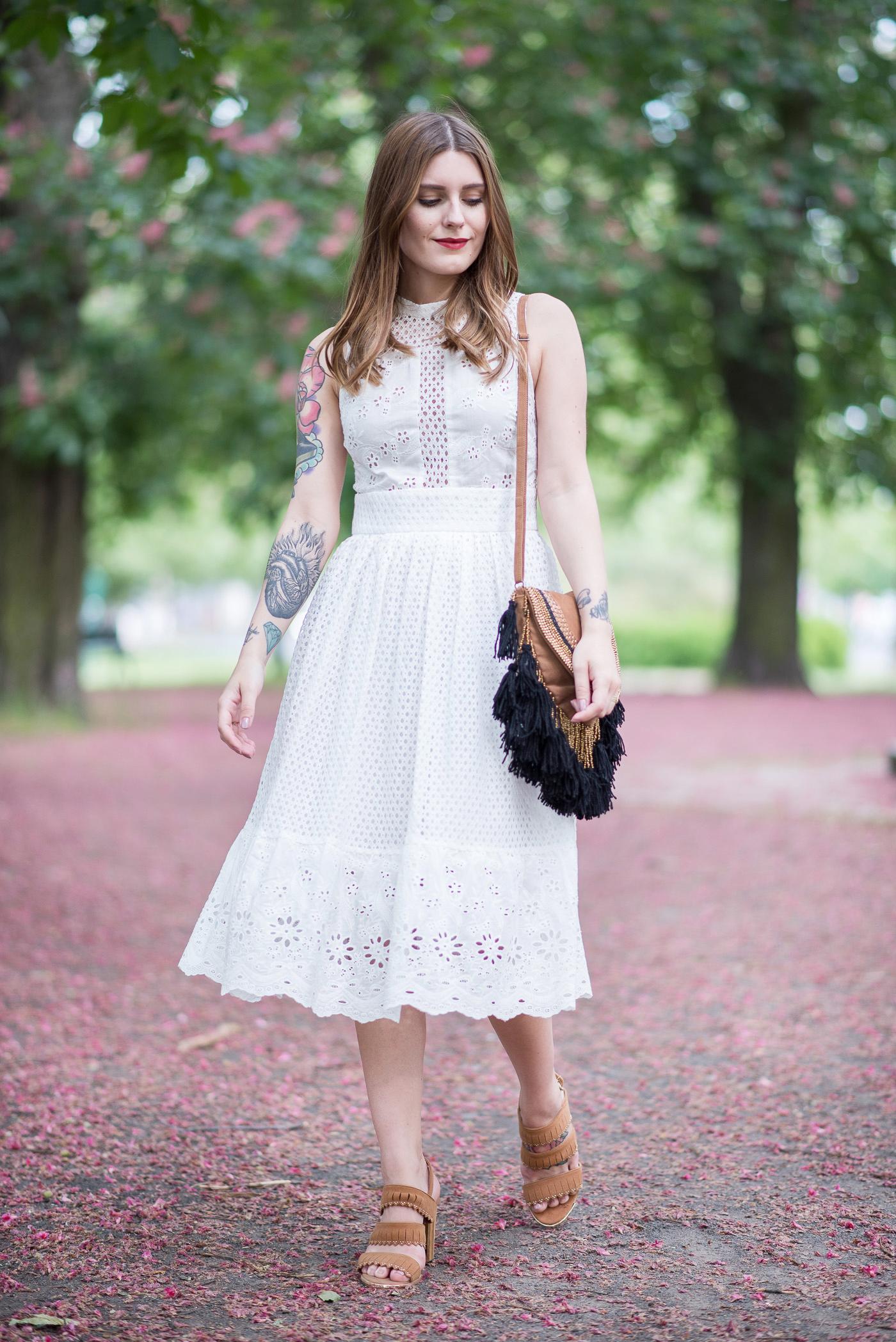 White_Lace_Dress_7