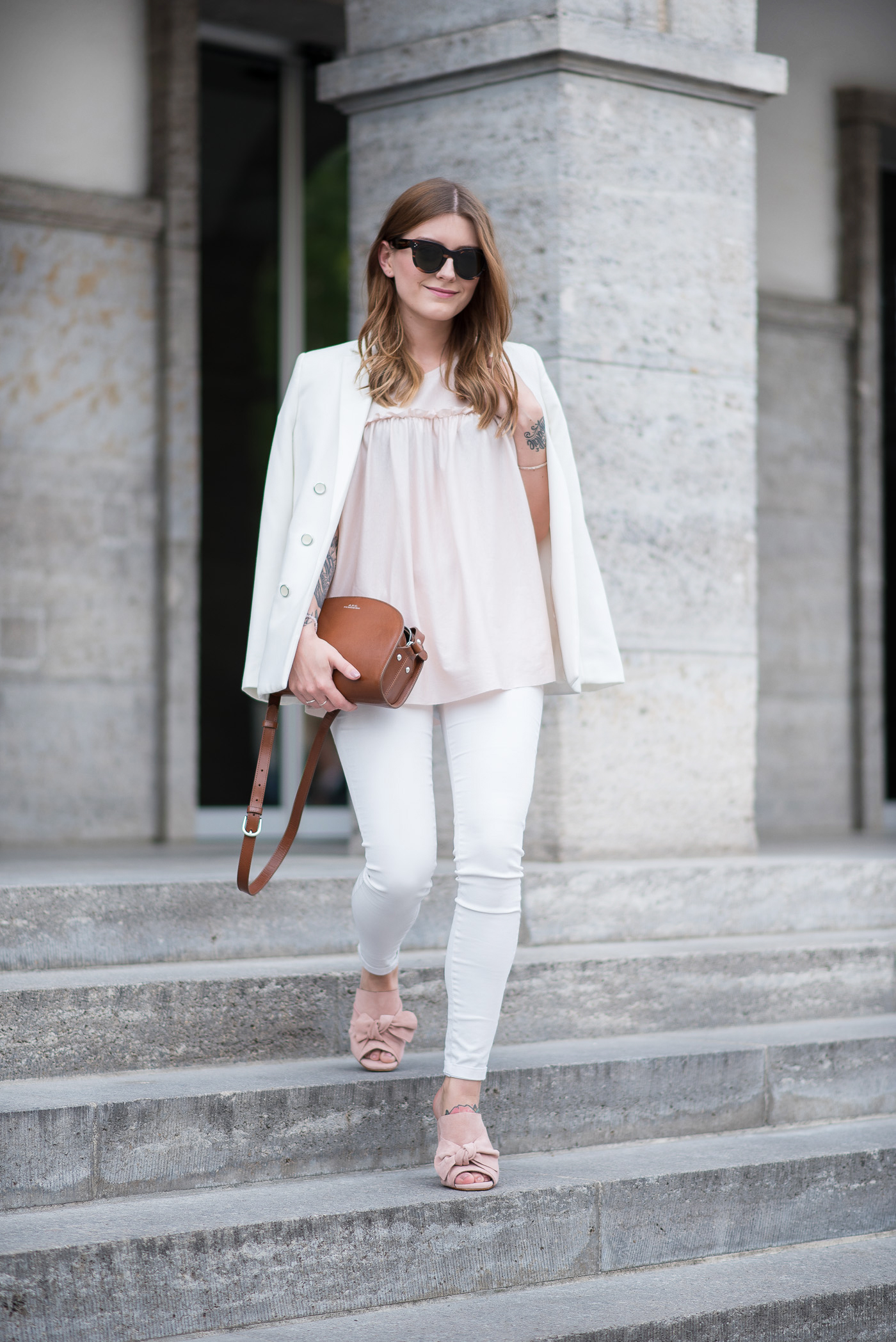 all_white_and_pink_mules_4