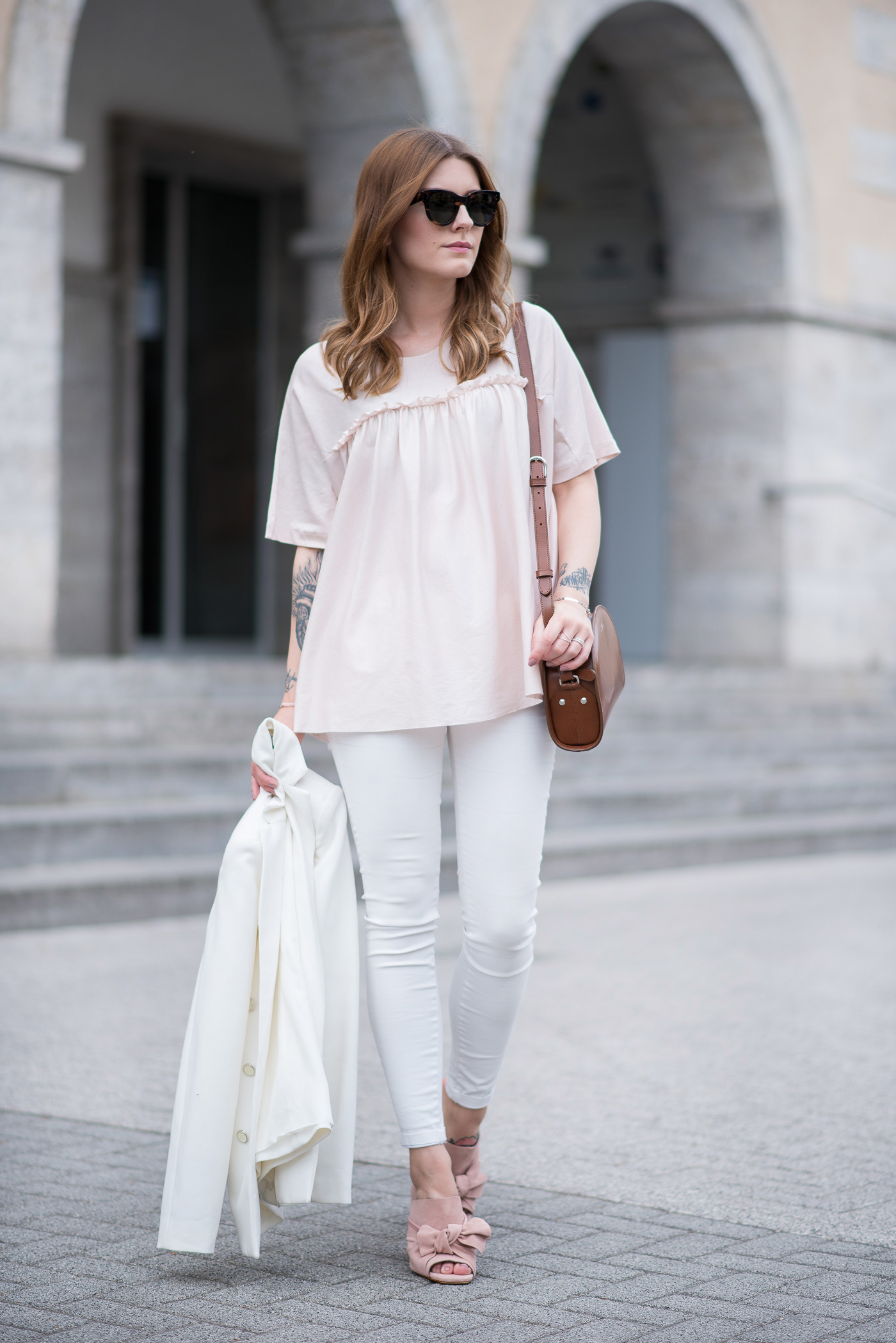all_white_and_pink_mules_6