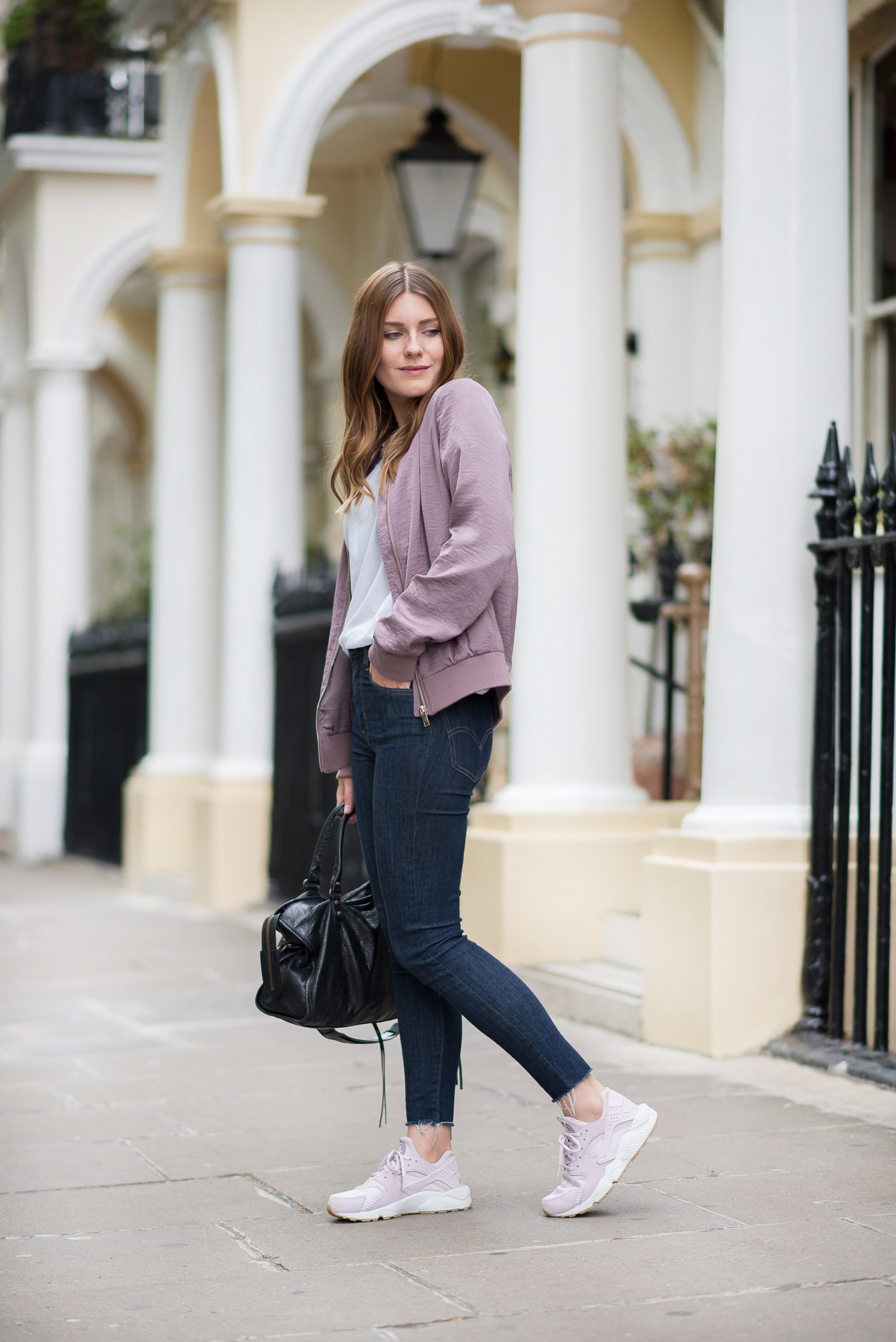 comfy_outfit_bomber_jacket_london_4