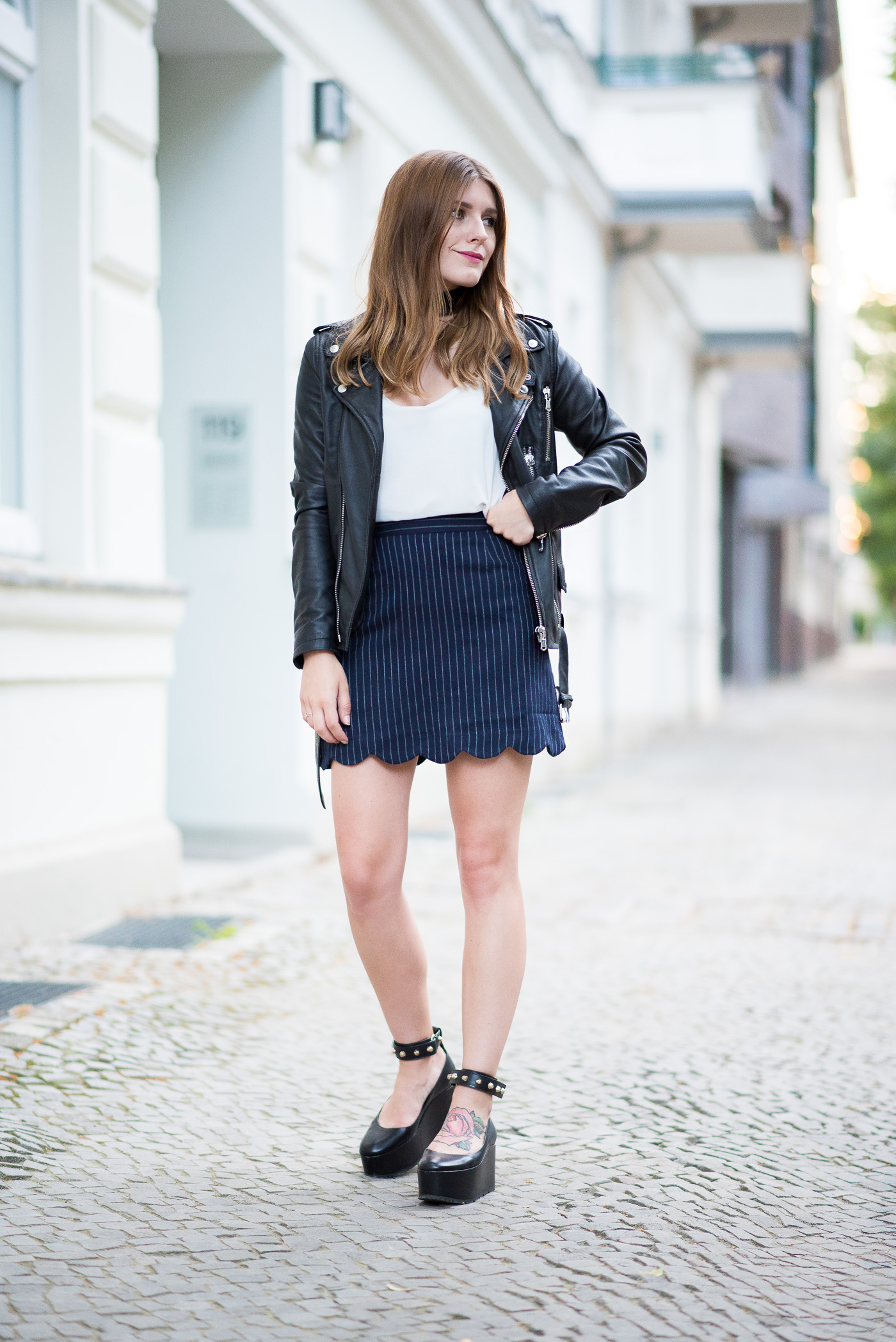 choker_and_platform_shoes_outfit_1