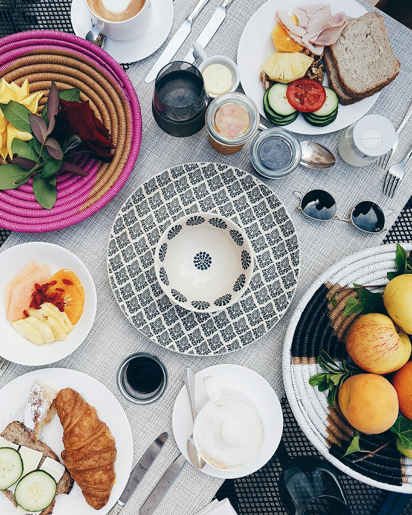 7things_32_breakfast