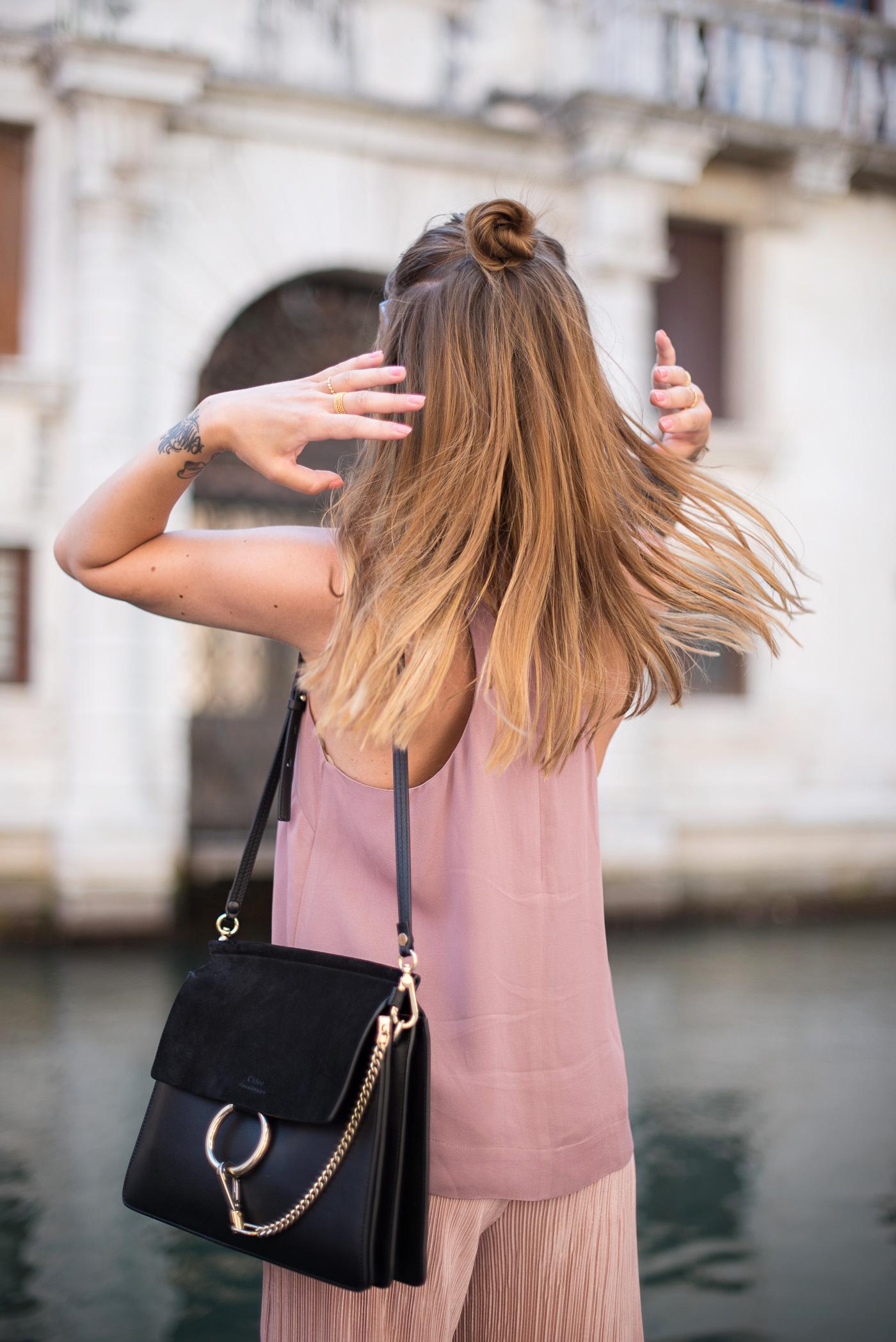 Candy_colors_culotte_outfit_in_Venezia_7