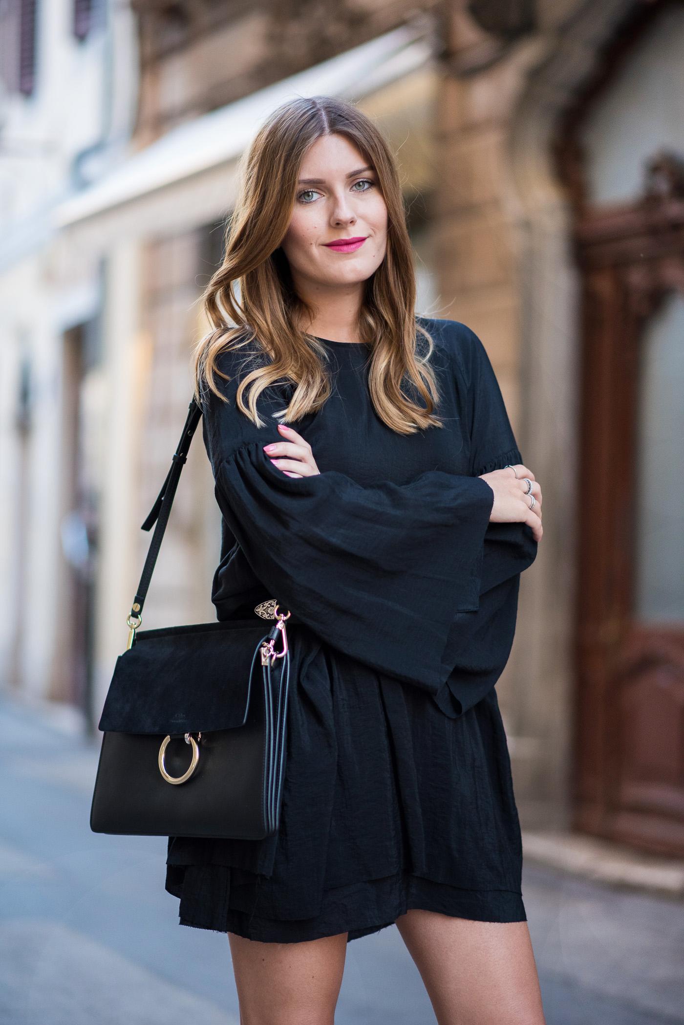 Little_Black_Dress_Birkenstock_Summer_Outfit_2