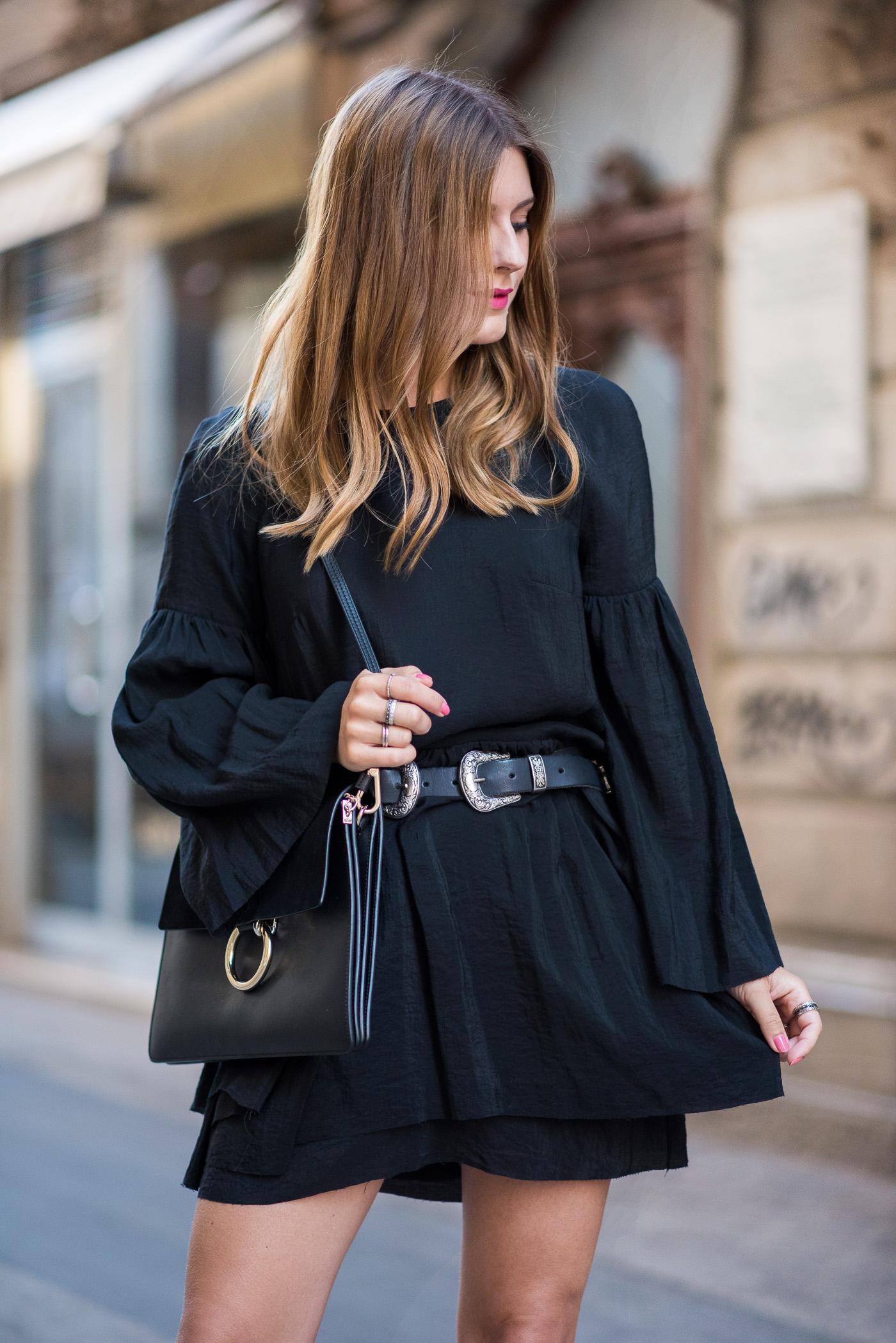 Little_Black_Dress_Birkenstock_Summer_Outfit_6