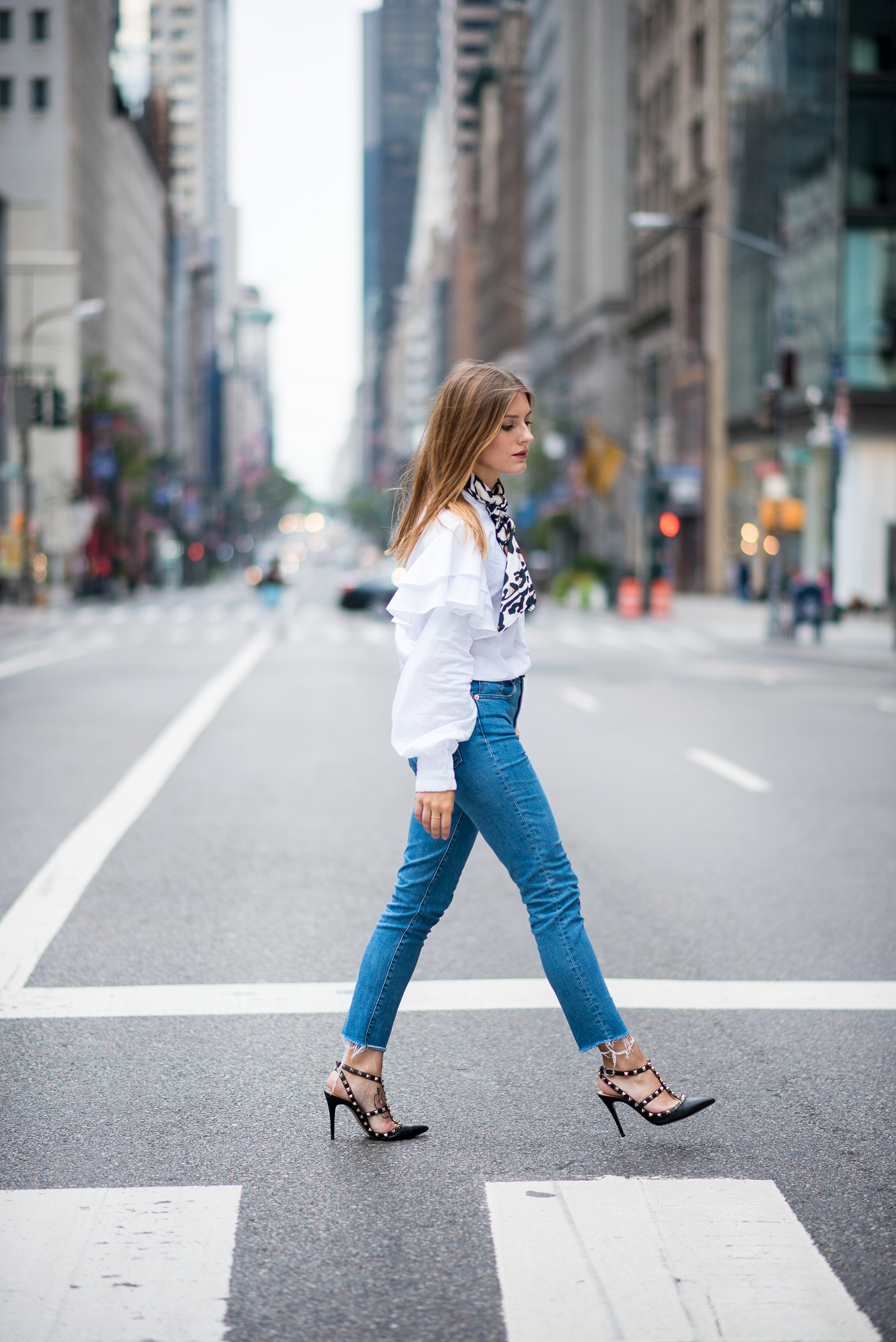 NYFW_Outfit_Mom_Jeans_Carrie_Moment_5