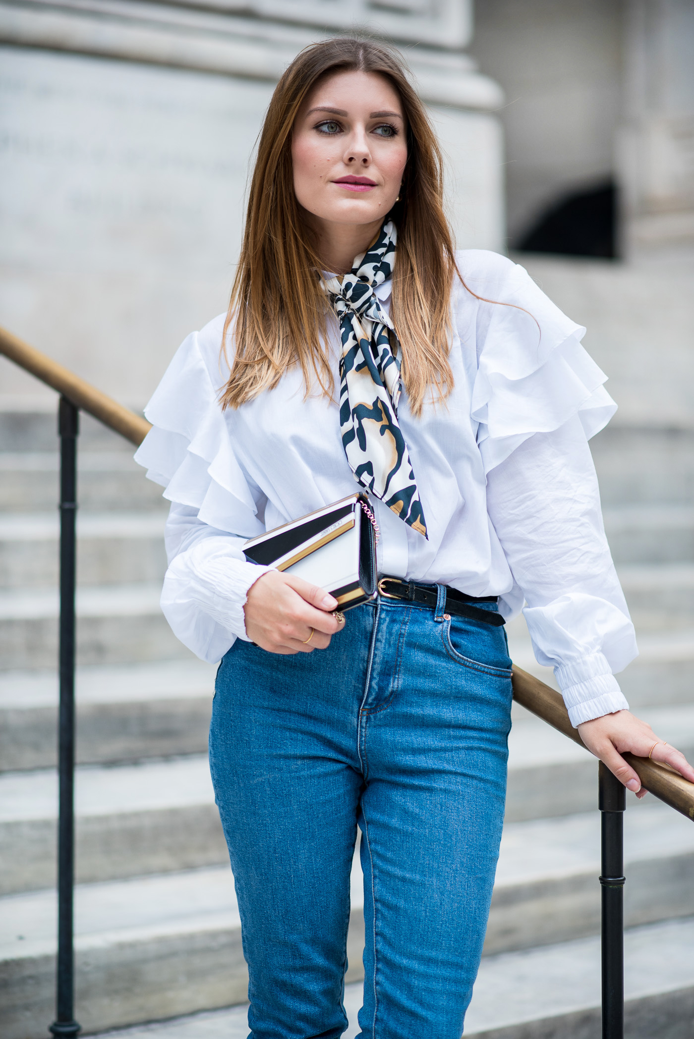 NYFW_Outfit_Mom_Jeans_Carrie_Moment_6
