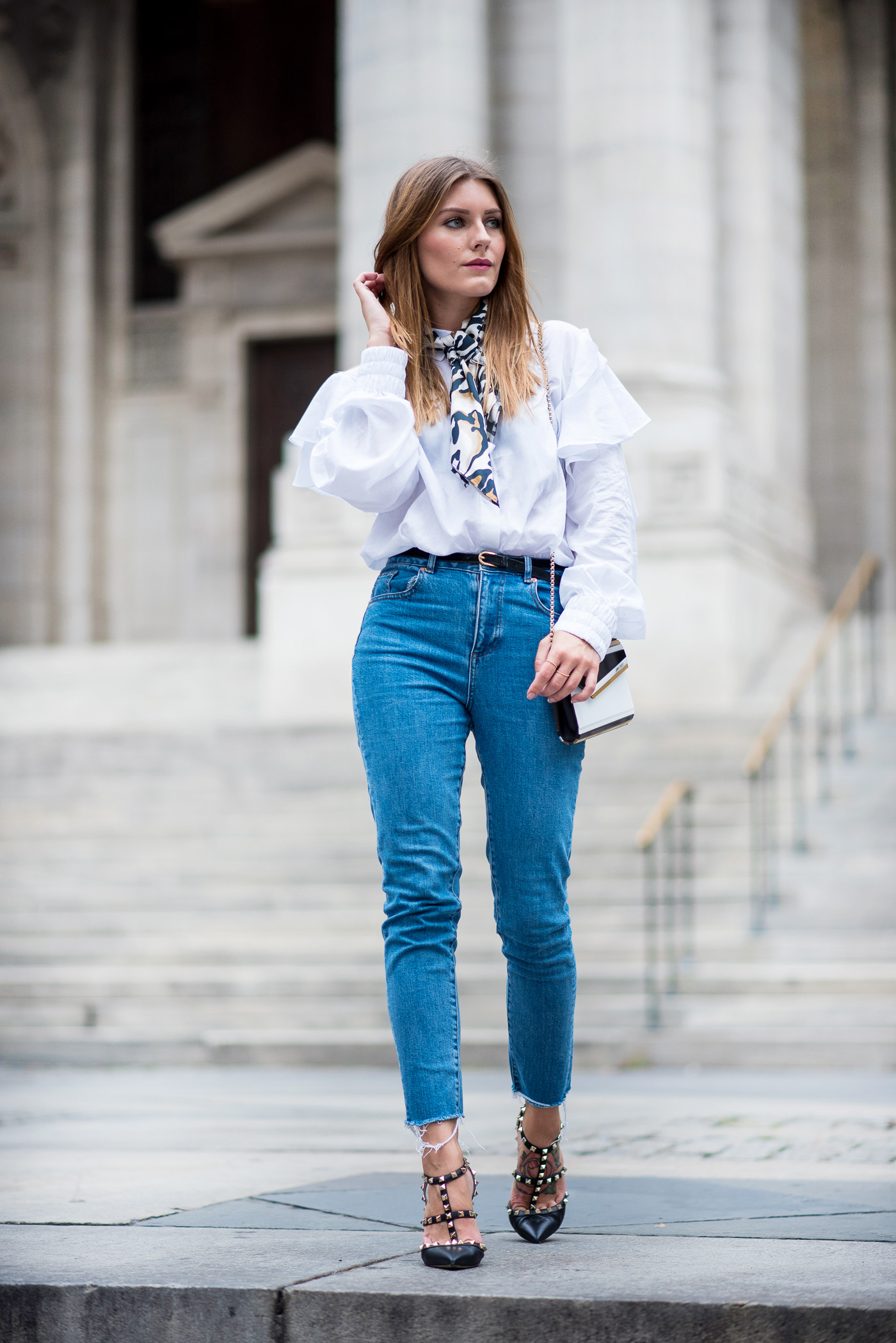 NYFW_Outfit_Mom_Jeans_Carrie_Moment_8