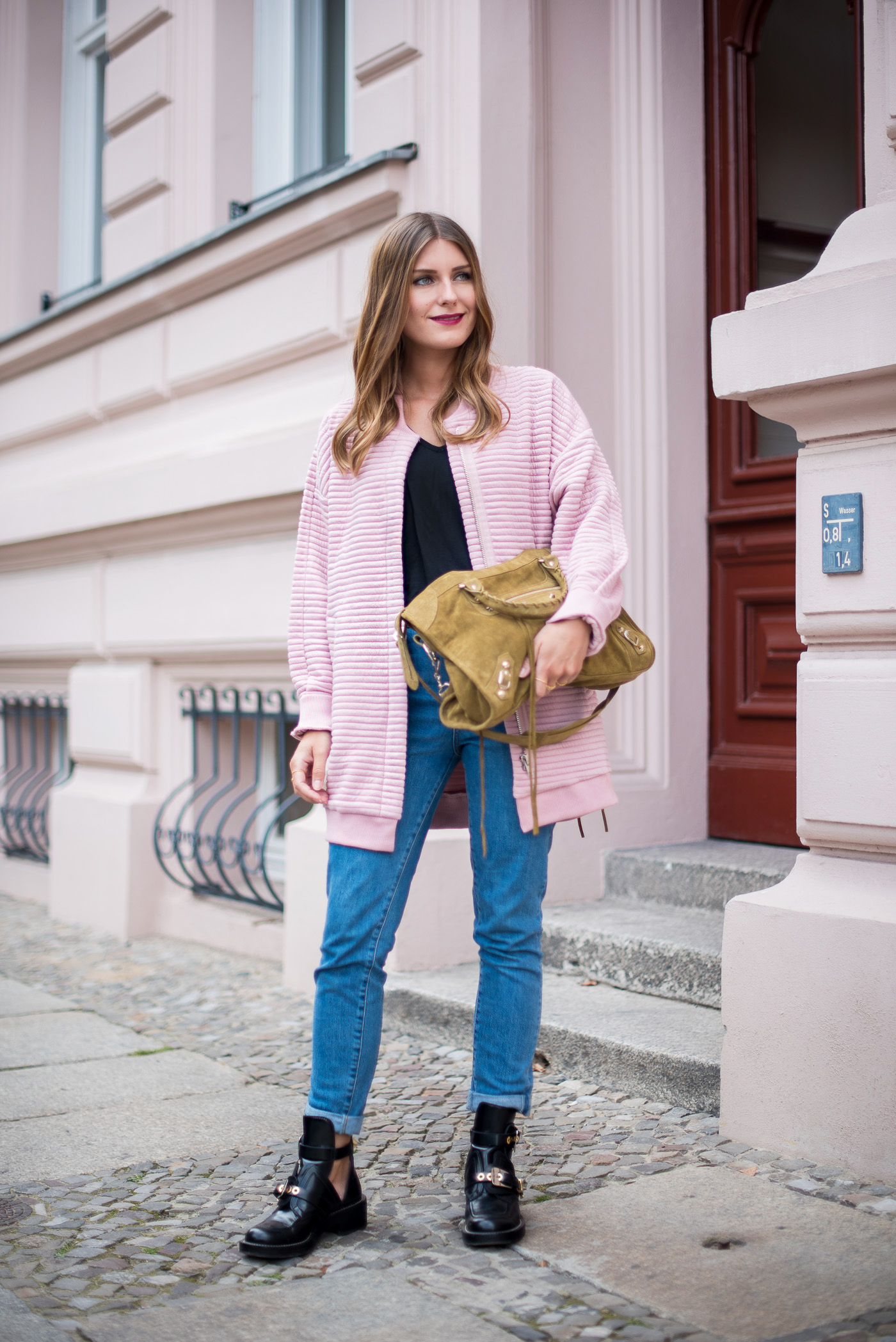 first_fall_outfit_edited_bomber_pink_1