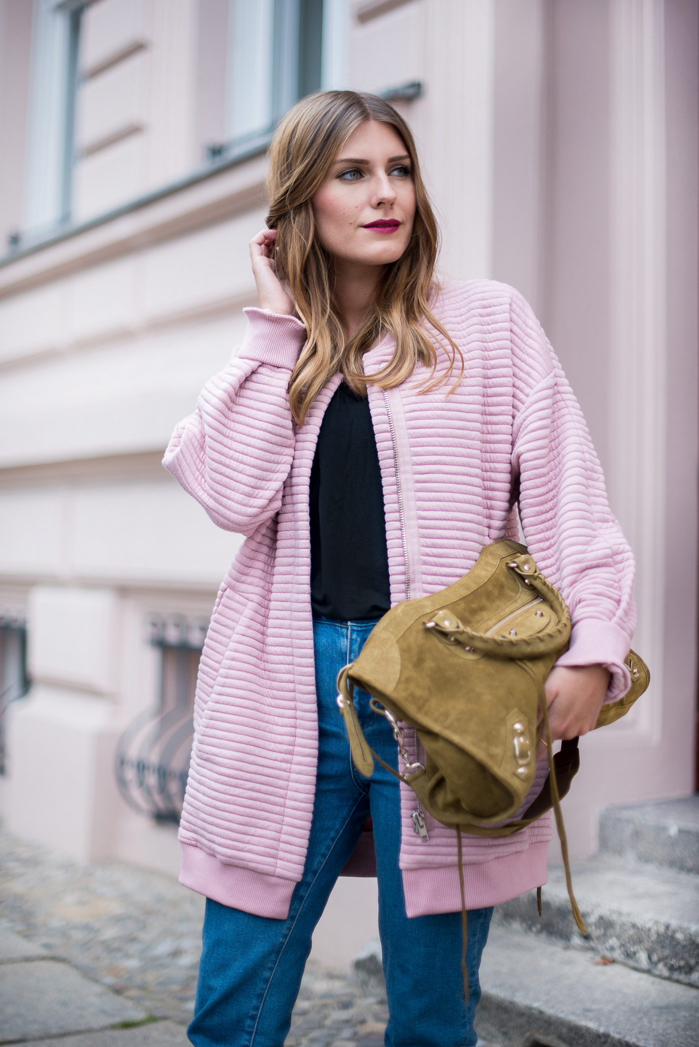 first_fall_outfit_edited_bomber_pink_5