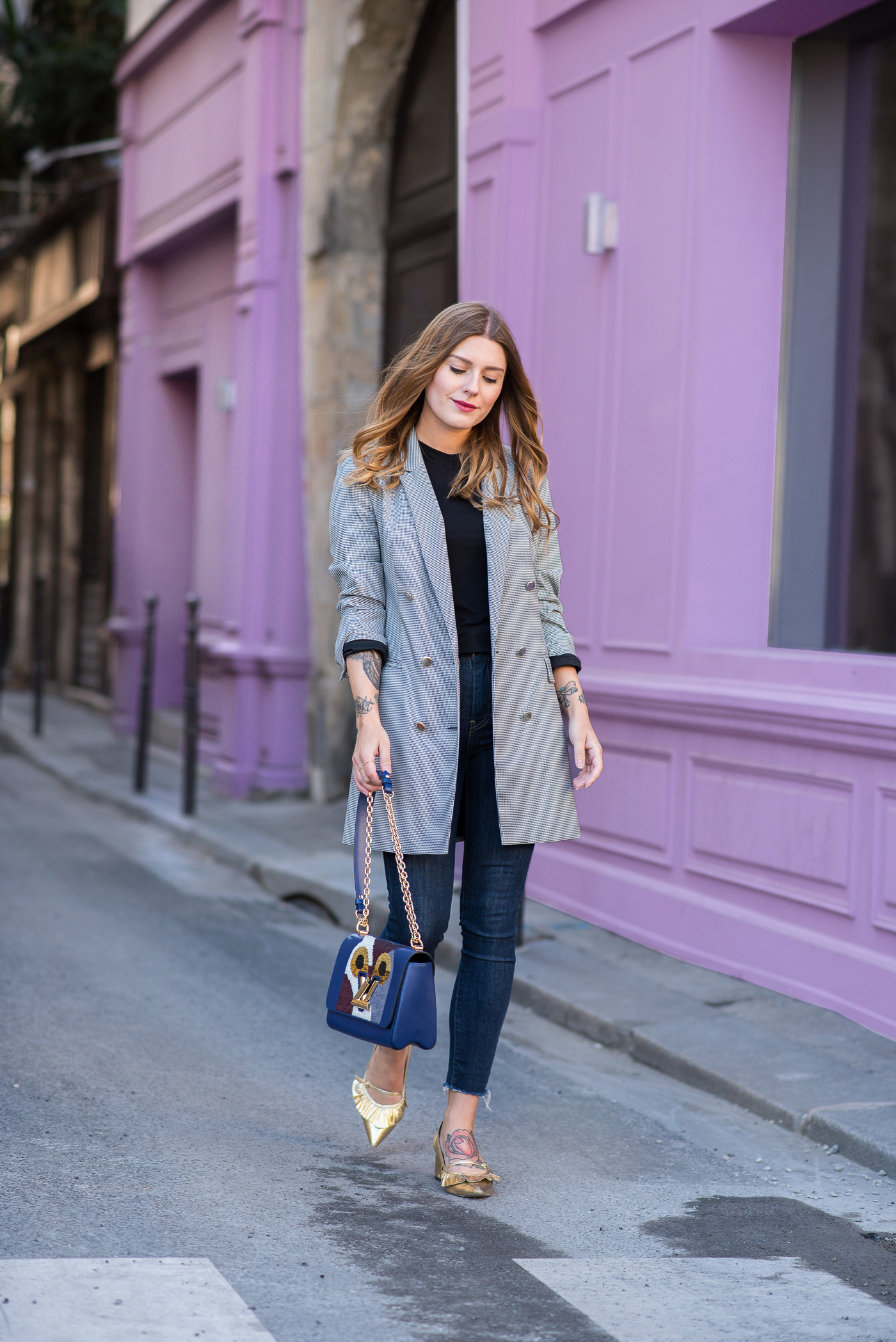 paris_pink_wall_long_blazer_1