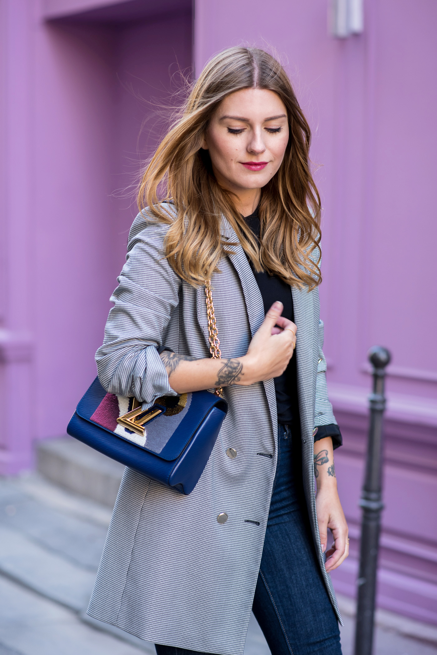 paris_pink_wall_long_blazer_2