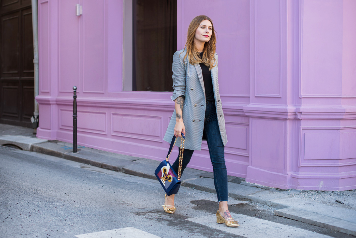 paris_pink_wall_long_blazer_3