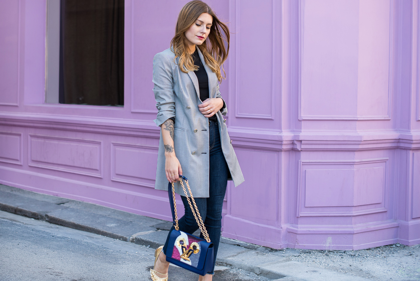 paris_pink_wall_long_blazer_7