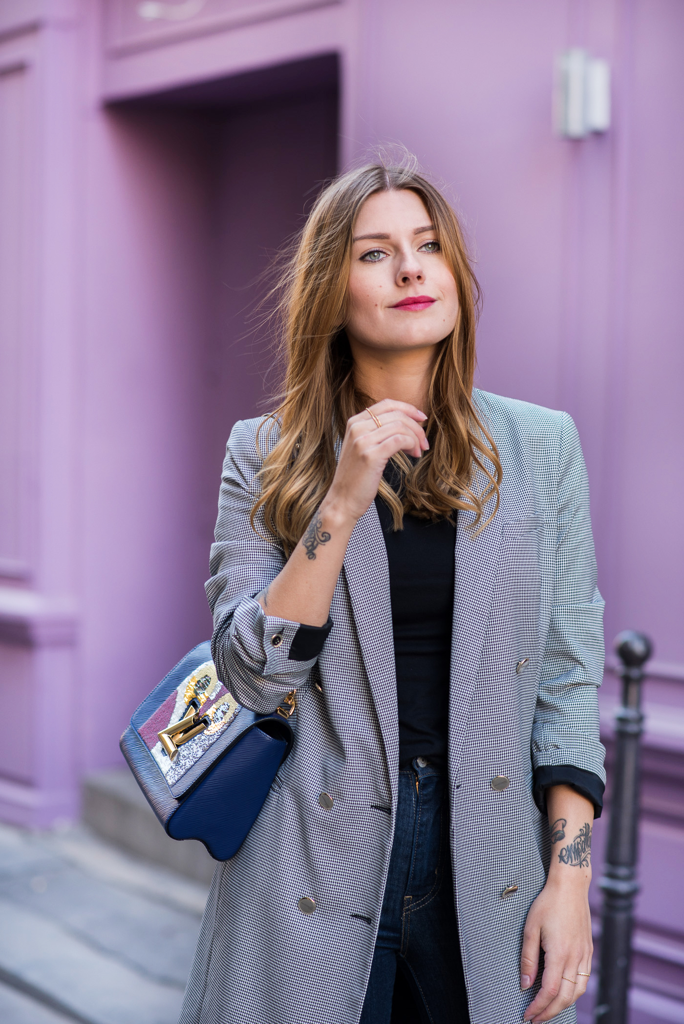paris_pink_wall_long_blazer_8