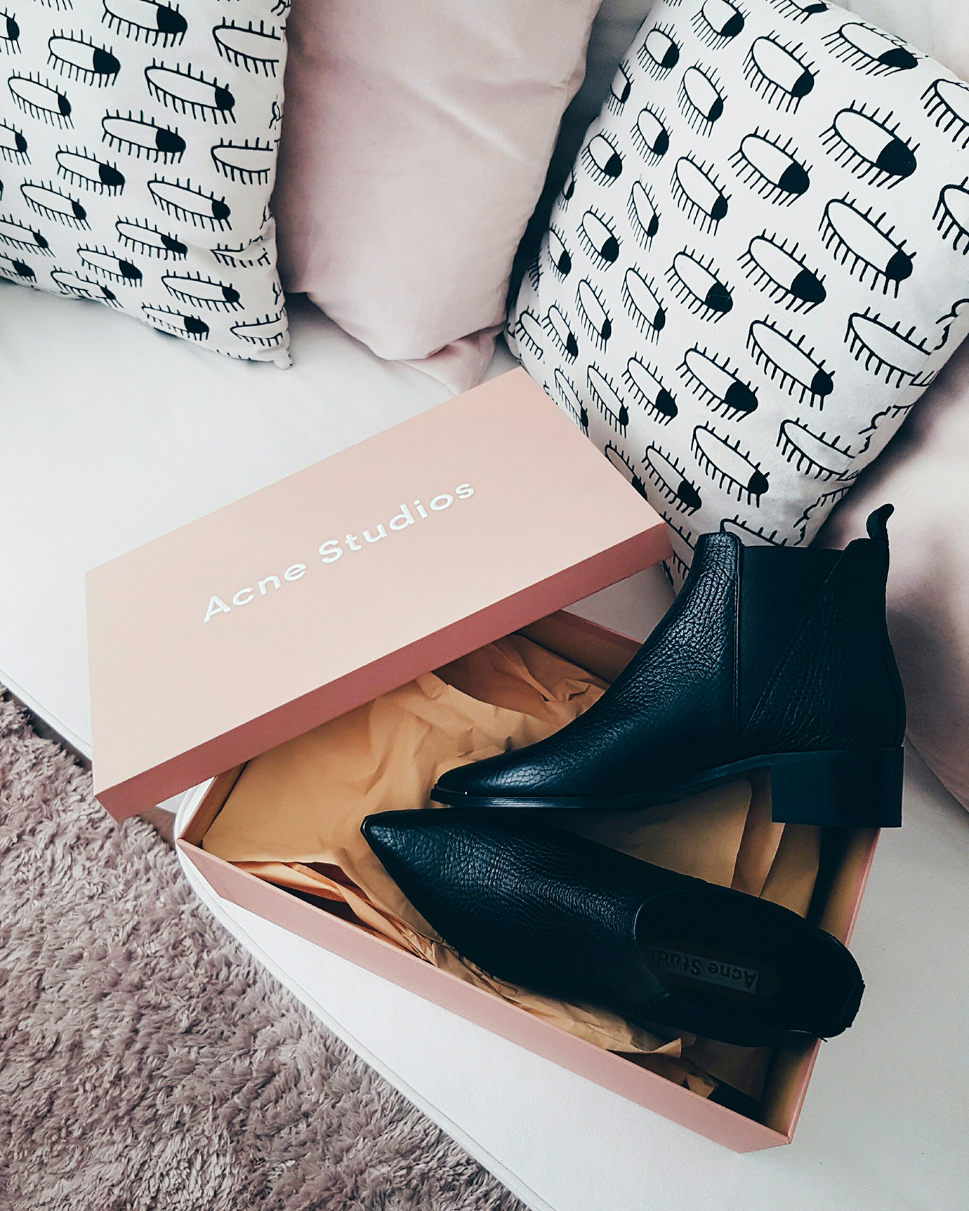 7things_44_acne_jensen_boots