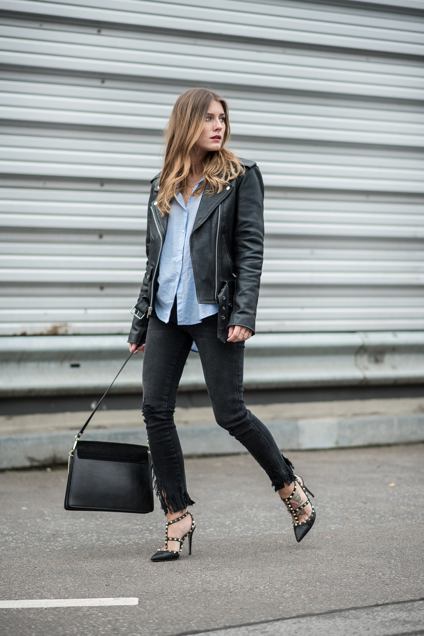 all_black_ripped_jeans_leather_jacket_1