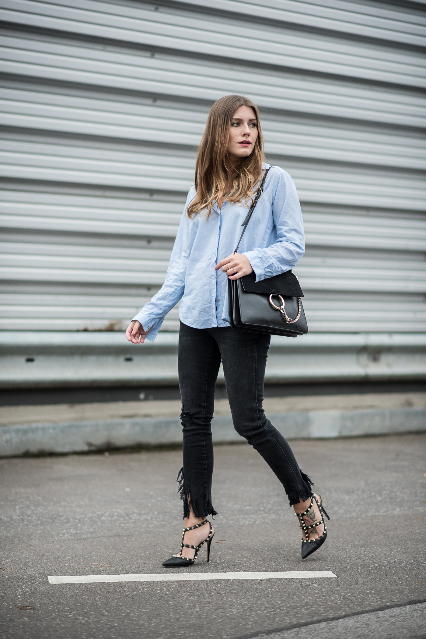 all_black_ripped_jeans_leather_jacket_9