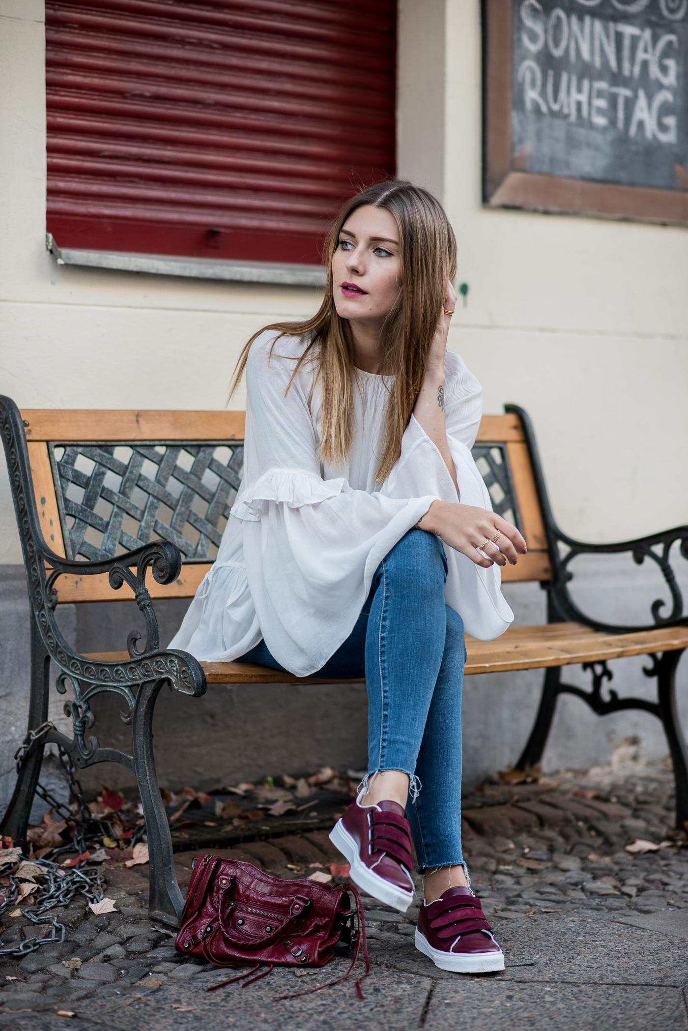 burgundy_outfit_balenciaga_bag_3