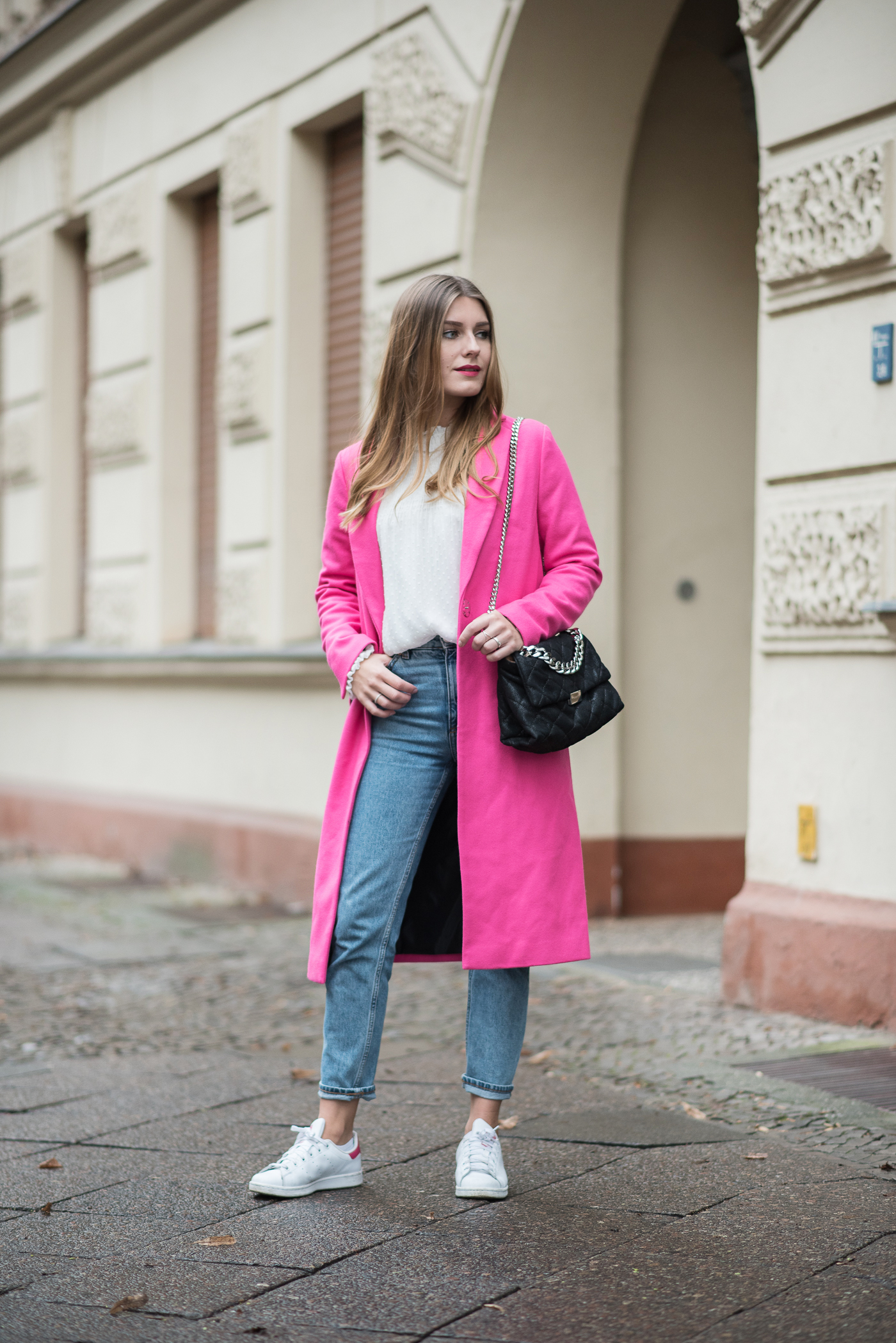 on_monday_wear_pink_topshop_coat_1