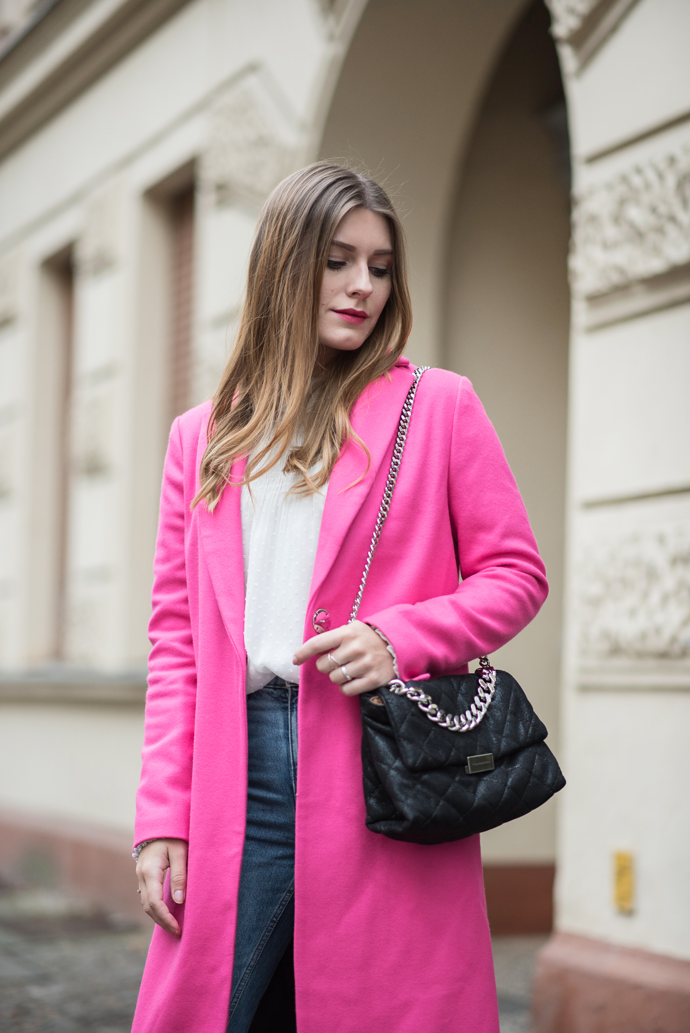 on_monday_wear_pink_topshop_coat_8